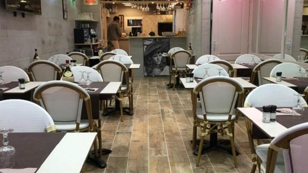 Restaurant Grill Chez Tony Vue de la salle