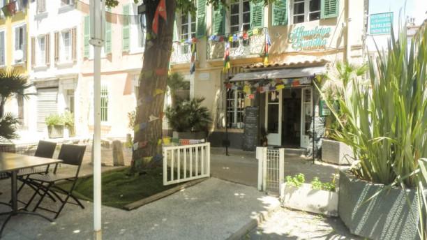 Himalaya Buddha Restaurant et sa terrasse