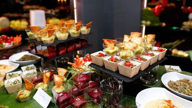 Assortiment Plats Vegan - La Table du Marché by Pamela Anderson restaurant Vegan, Ramatuelle