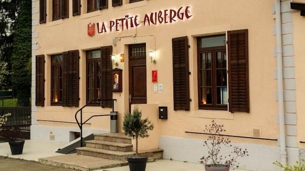 La Petite Auberge devanture restaurant