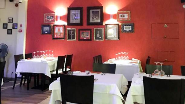Pashmina Indian Restaurante-Praia da Luz Vista do interior