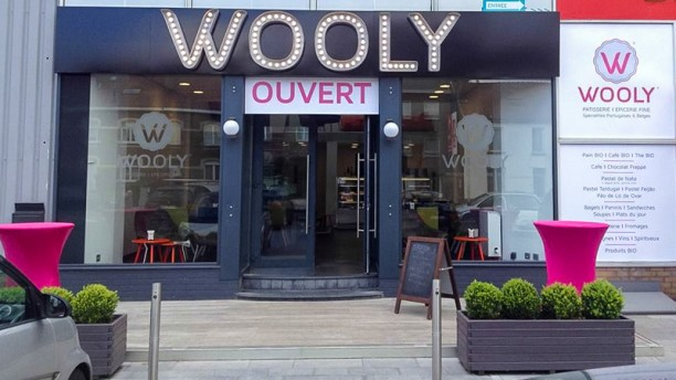 Wooly devanture