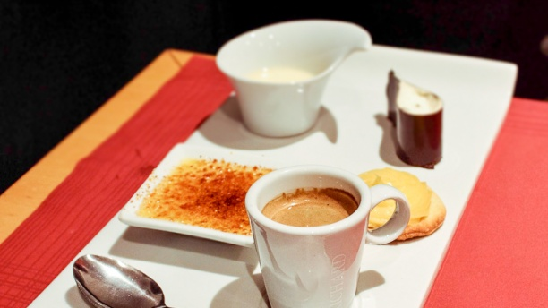 Symphonie Épicurienne le Restaurant Café gourmand et ses mini desserts
