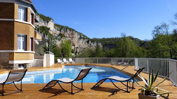 Restaurant de l'Hôtel des Grottes Terrasse piscine