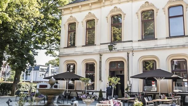 StadsBrasserie Villa de Vier Jaargetijden Terras