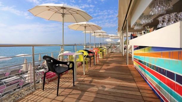 Art beach restaurant 55 promenade de la plage 06800 for Garage de la plage cagnes sur mer