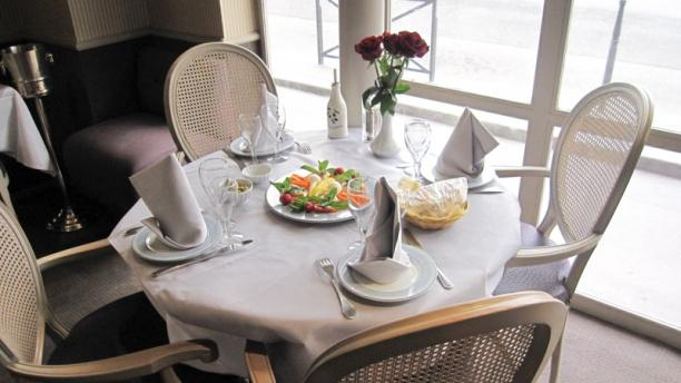Al Mankal Table dressée