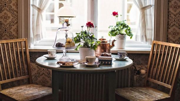 Gamla Örebro Table