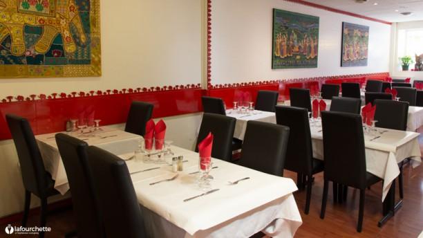 Rue De L Industrie Restaurant Indien