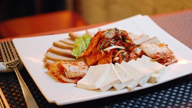 Star King Porc à la vapeur avec huîtres et kimchi