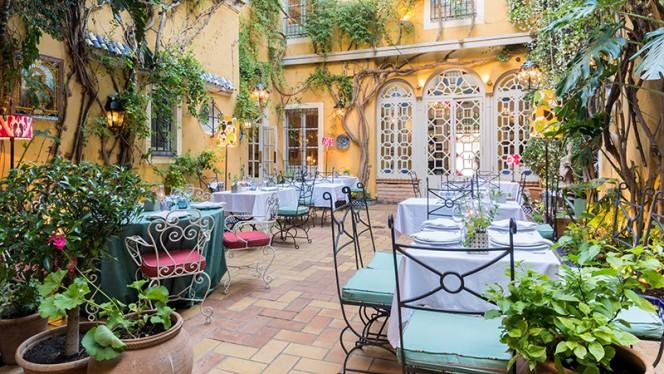 Vista sala - Casa Manolo León, Sevilla