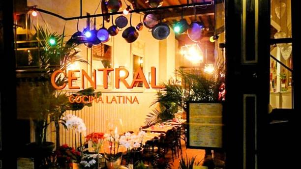 Central - Cocina Latina devanture