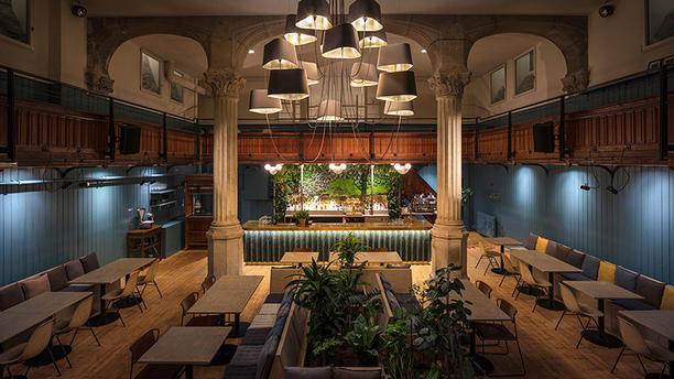 Athénée 4 salle du restaurant