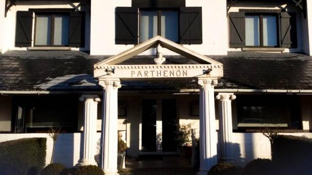 Parthénon Vue façade