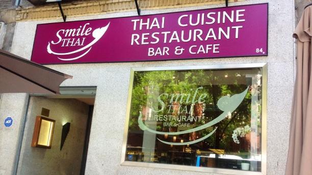 Smile Thai Fachada Smaile Thai