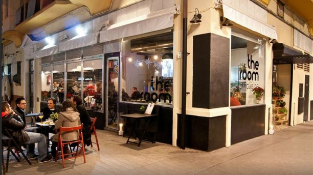 sevilla chat rooms 24th aug 2018 most recent review of hostel a2c sevilla in seville  attractions and food areas once in a while, we liked having a chat with him too overall, a great place for a few night's stay and accommodative staff  the location is also a low point it's far from the city center and the main tourist zones the rooms are also close.