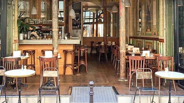 restaurant poulette paris 75001 ch telet les halles beaubourg avis menu et prix. Black Bedroom Furniture Sets. Home Design Ideas