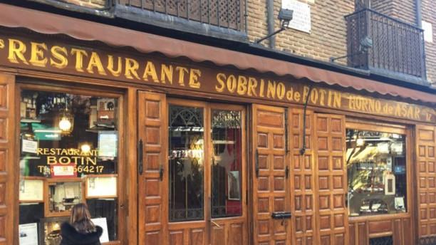 Botin in madrid restaurant reviews menu and prices for Casa botin madrid