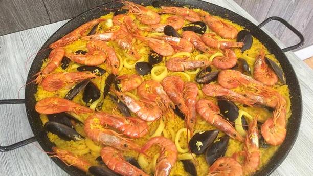 Los Pescaditos Paella