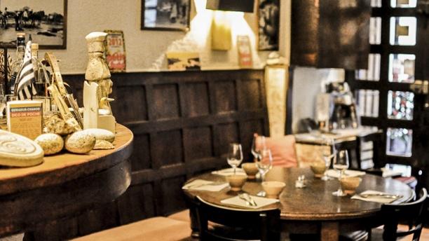 Restaurante La Table Ronde En Marseille Opiniones Men Y Precios