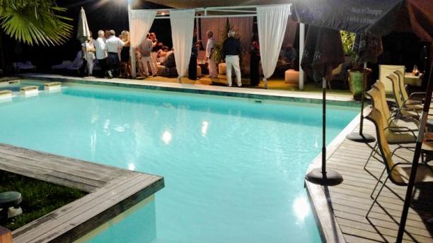 La maison du tennispart in aix en provence restaurant for Restaurant la piscine gardanne