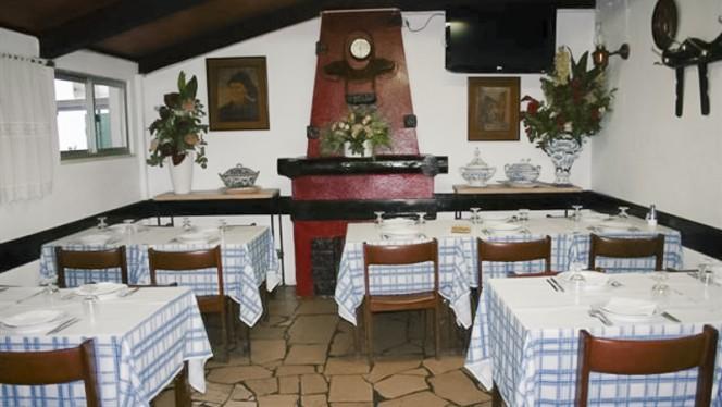Típico Aires ristorante portoghese a Alcabideche in Portogallo