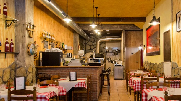 Pizzeria Da Gennaro Vista sala