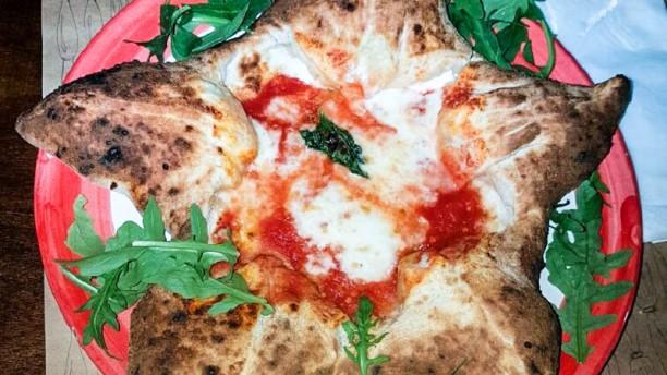 'A Pummarulella La pizza
