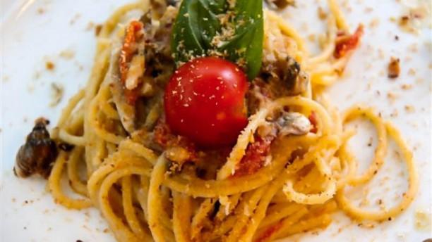 Officina zio Pesce Spaghetti con alici di Cetara