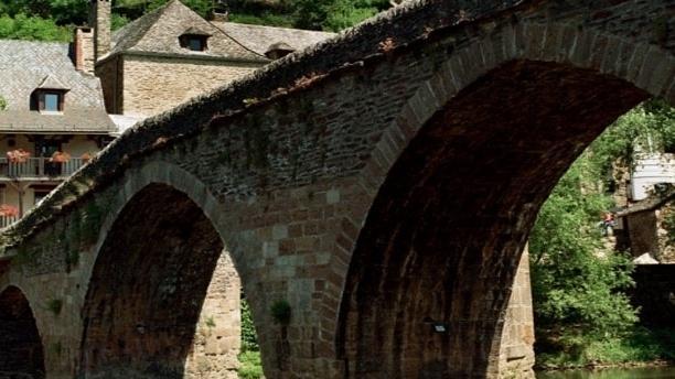 Le Vieux Pont Vue sur le pont 1
