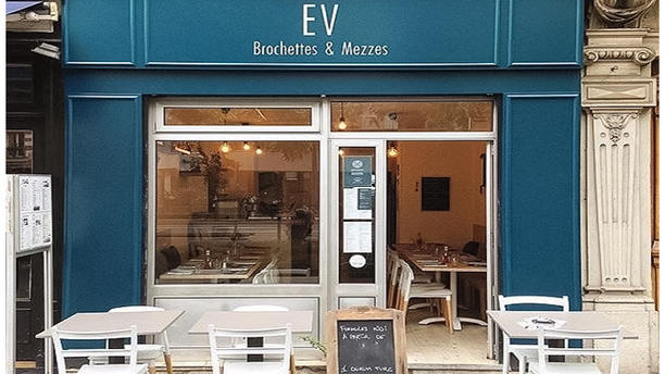 EV Brochettes & Mezzés La devanture