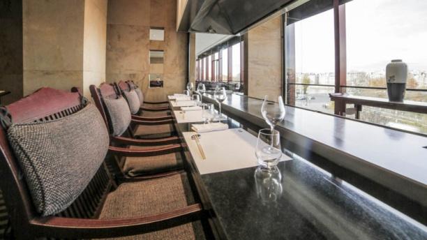 Benkay teppan yaki h tel novotel tour eiffel - Restaurant japonais porte de versailles ...