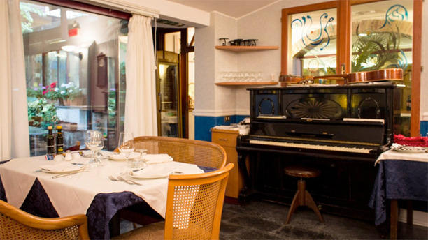 Antica Osteria il Giardinetto Sala pianoforte