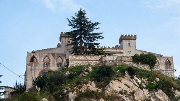 Al Castello del Piraino Il castello ristorante