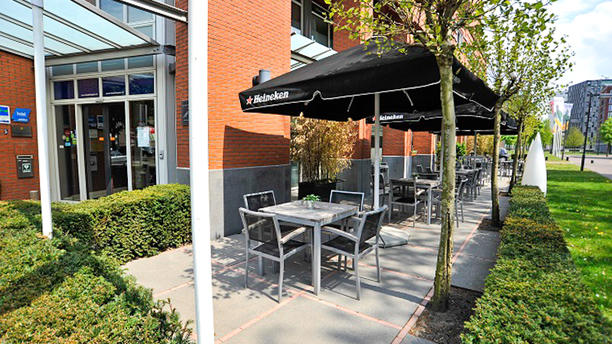 Restaurant Orange (Golden Tulip Keyser Breda) Terras