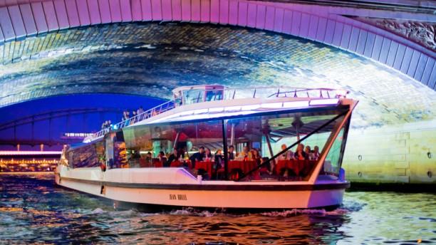 Les bateaux mouches restaurant port de la conf rence - Bateaux parisiens port de la bourdonnais horaires ...