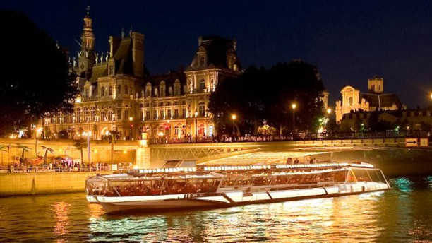 les bateaux mouches in paris restaurant reviews menu and prices thefork. Black Bedroom Furniture Sets. Home Design Ideas