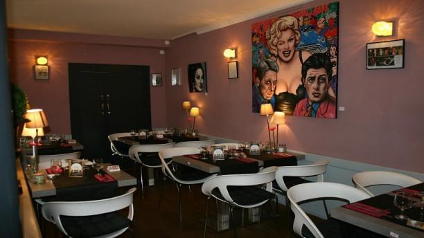 Le Danieli Restaurant 1 Place D Assas 30000 Nimes Adresse