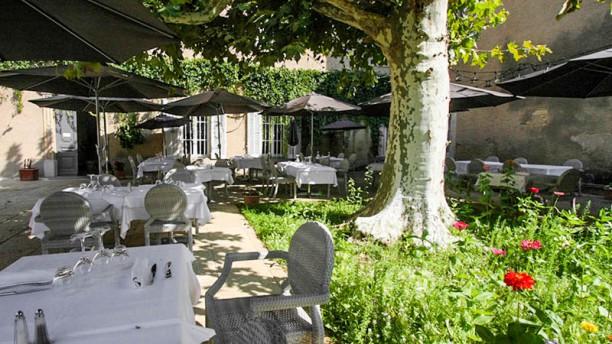 Le Vieux Four La terrasse aux beaux jours