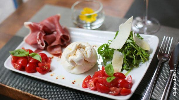 Geoffroy L'Olive Mozzarellla Di Buffala, tomates, jambon, roquette et parmesan