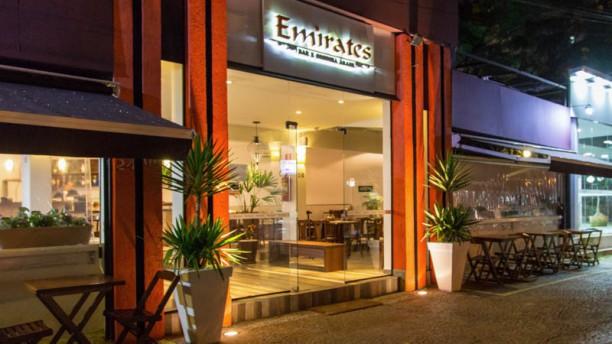 Emirates Bar e Cozinha Árabe Restaurante
