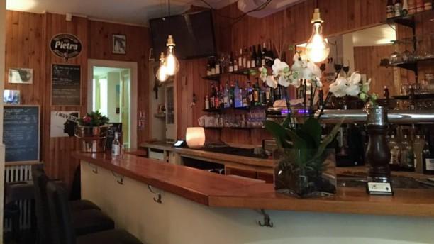 Restaurant le petit bouchon paris 75017 ternes - Restaurant italien porte maillot paris 17 ...