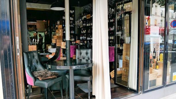 Restaurant winopolis la cave paris 75017 ternes porte maillot batignolles place de - Porte de clichy restaurant ...
