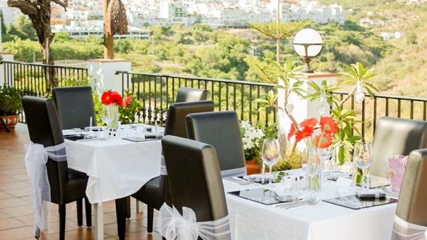 La Casa Terrace Dining