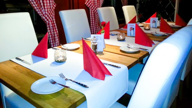 Restaurang En Liten Röd Restaurangens rum