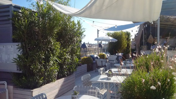 B Club La Terrasse in Nice - Restaurant Reviews, Menu and Prices ...