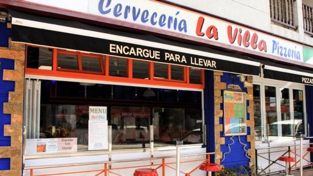 Cervecería La Villa de Noja Vista entrada