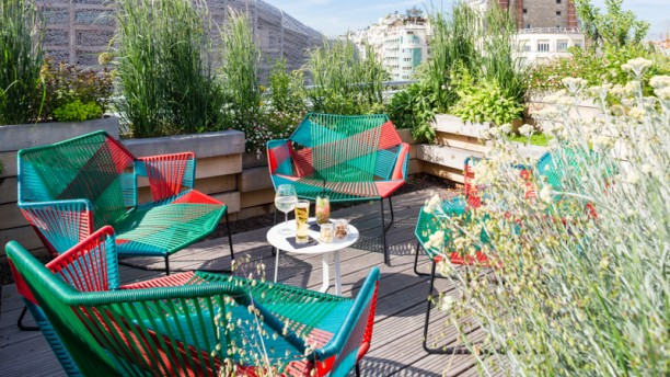 Restaurant toit terrasse molitor paris 75016 passy for Piscine molitor restaurant