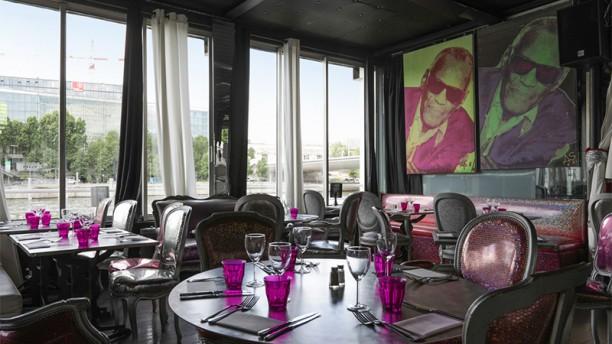 Café Barge Vue de la salle