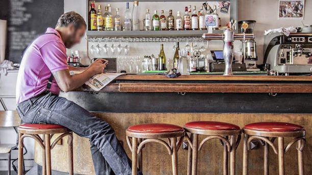 Les Quilles bar